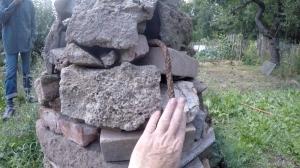 Metal core Steinpyramide