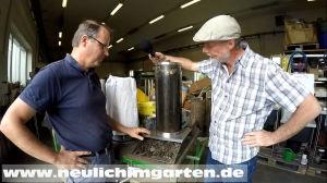 Wurmkompost zur Anschauung Hans haelt auch Vortraege